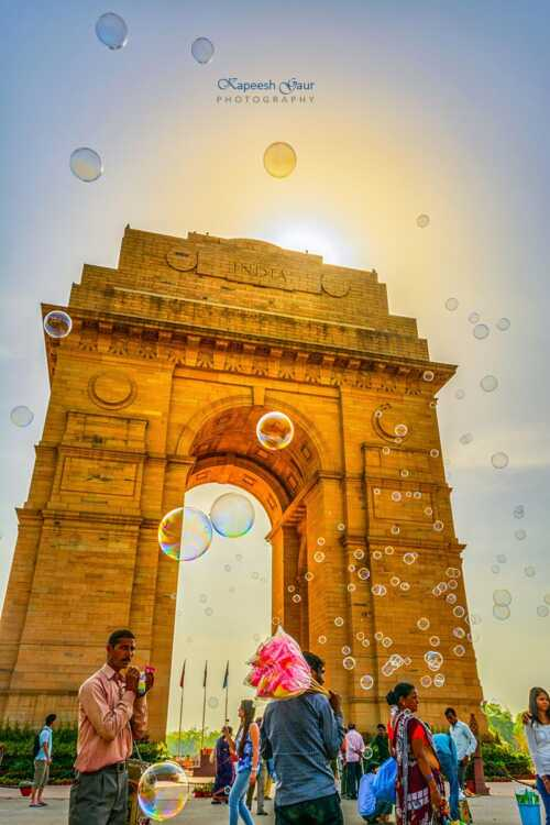 Colors of water Bubbles. India Gate.